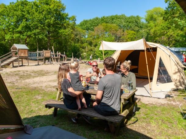 camping family tent Geversduin