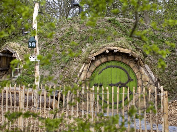 Hobbithouse Hobbit Lord of the rings accomendation camping geversudin holland