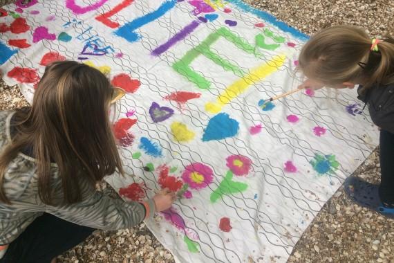 children sign Ullie