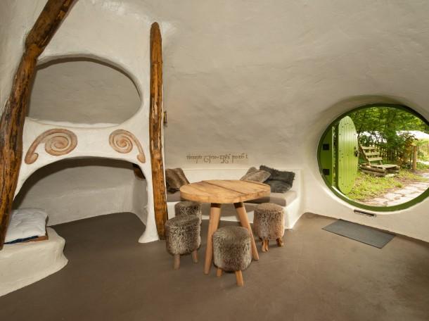 hobbithouse interior cabin hobbit camping gevrsduin holland