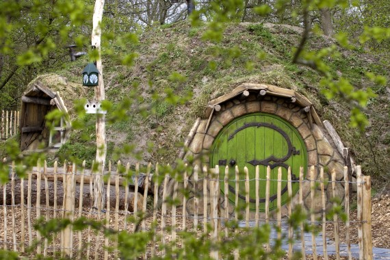 Hobbithouse fence entrance